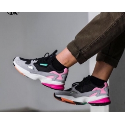 کفش مخصوص دویدن فالکون آدیداس Adidas Falcon running shoes